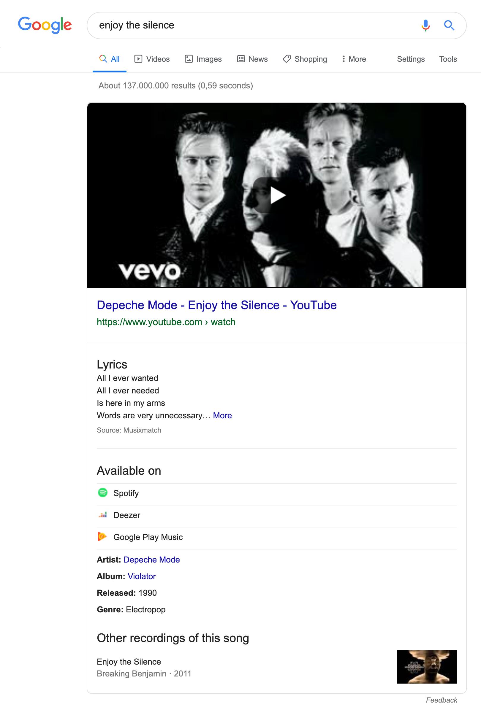 """Suchergebnisseite für die Suchanfrage """"enjoy the silence"""". Als erstes wird eine Knowledge-Graph Box angezeigt in dem das Video auf Youtube verlinkt ist, die Lyrics angezeigt werden können und Informationen zum Interpreten, dem Album, dem Veröffentlichungsdatum und weiteren Informationen zu sehen ist."""